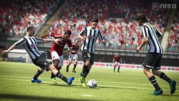 fifa13_chiellini_tackle_wm