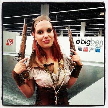 Ob die Dame wohl für Risen 3 unterwegs ist? #gamescom http://t.co/IGz8PN0RrJ