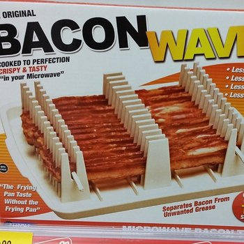 This is just completely messed up #LosAngeles #GIGAinLA #baconwave http://t.co/rz7JC6WLYq