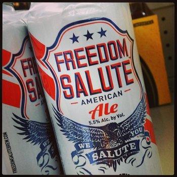 Auf die Freiheit. Ich wünsche euch ein schönes Wochenende. #GIGAinLA #LosAngeles #Beer http://t.co/vunHYnHnLk