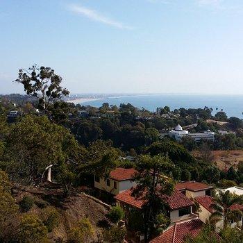 Wie gut, dass ich von hier aus arbeiten darf. #LosAngeles #GIGAinLA #VillaAurora http://t.co/qScJV4OaYh