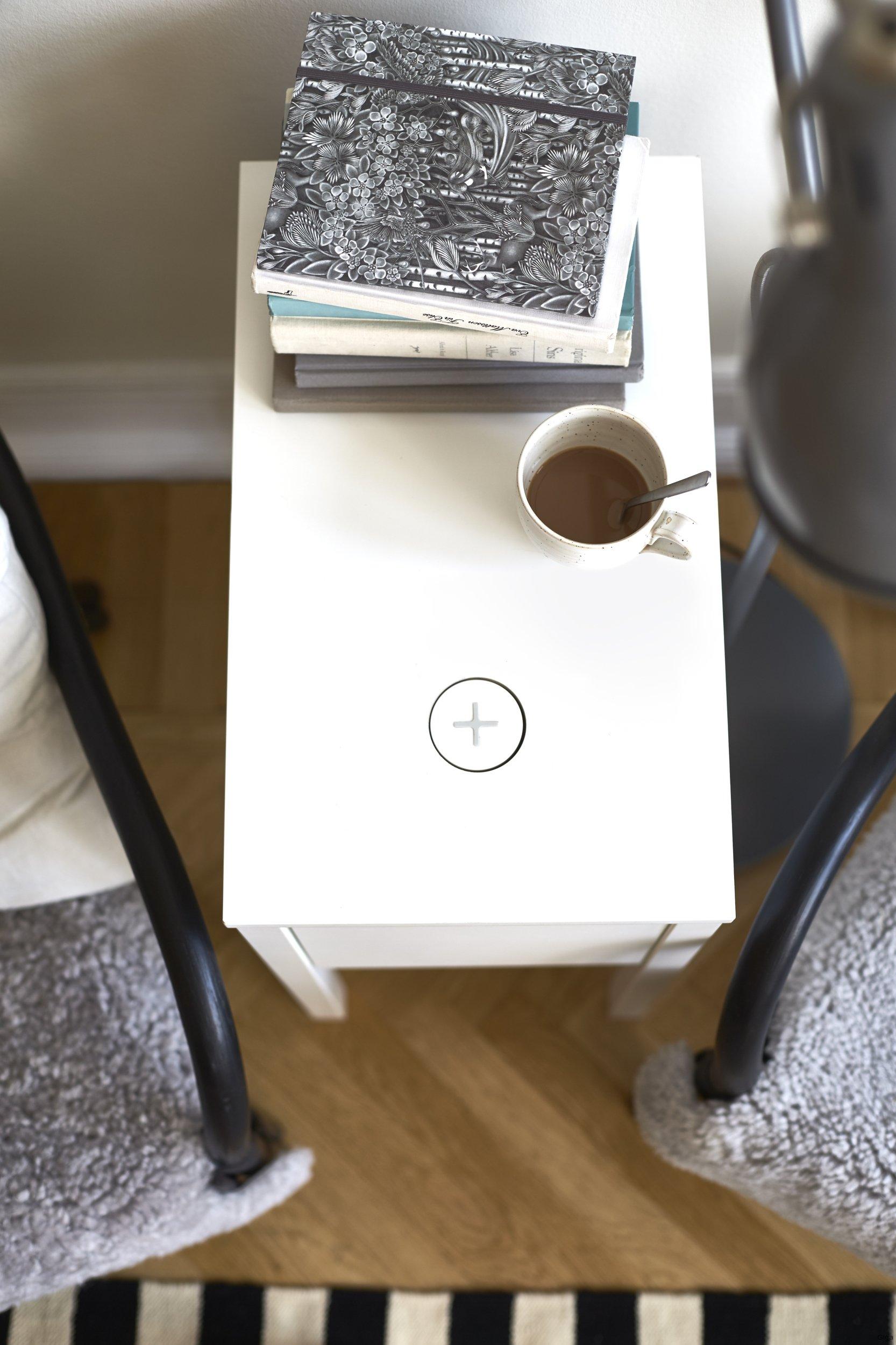 ikea integriert kabellose ladefunktion f r smartphones und co in nachttische und lampen giga. Black Bedroom Furniture Sets. Home Design Ideas