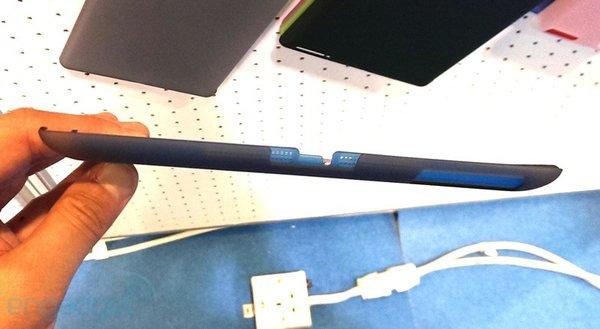 Schutzhüllen im Vergleich - iPad 5 (blau) vs. iPad 4 (grau)