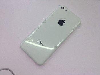 Angebliches Gehäusebauteil des iPhone Lite in Weiss oder Grau