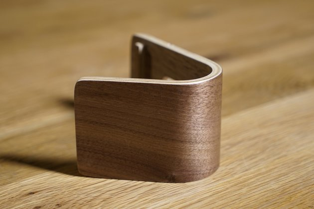 Mobiletto Apple Watch Wood Stand – rutschige Angelegenheit