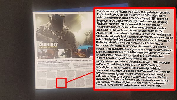 © GIGA GAMES – Verpackung der PlayStation 4 Pro (hinten) mit hervorgehobenem Hinweis zu PlayStation Plus