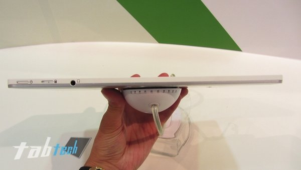 Acer-Iconia-Tab-W510-Hands-On-5-imp