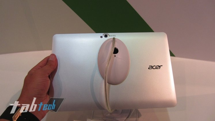 Acer-Iconia-Tab-W510-Hands-On-7-imp