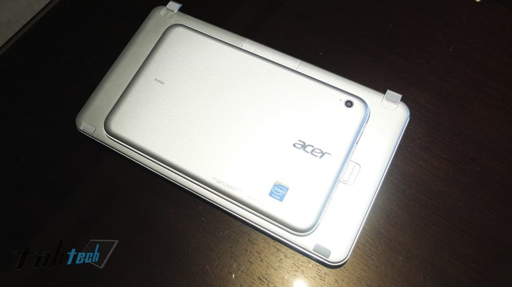 Acer_Iconia_W3_03