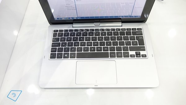Asus-Transformer-Book-T200-hands-on-13