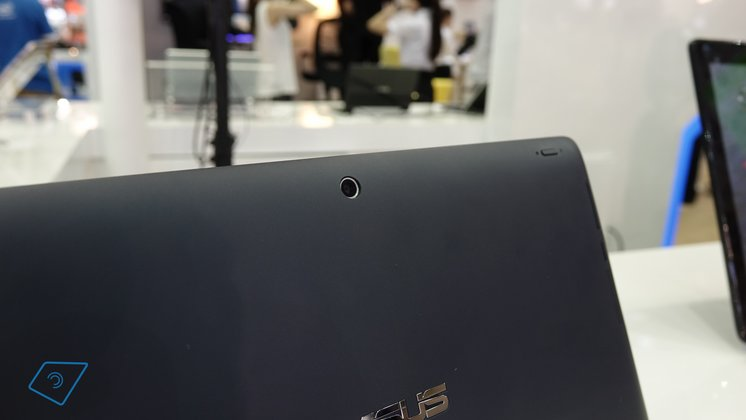 Asus-Transformer-Book-T200-hands-on-3