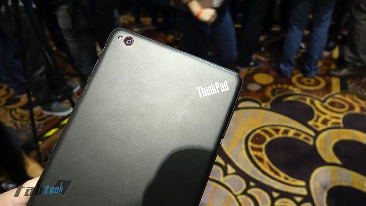 Lenovo-ThinkPad-8-Aluminium-Rückseite-Hands-On