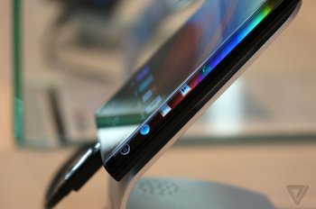 LG-Dual-Edge-Display_TV_06