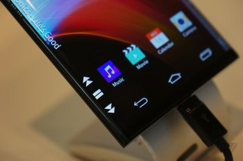LG-Dual-Edge-Display_TV_16