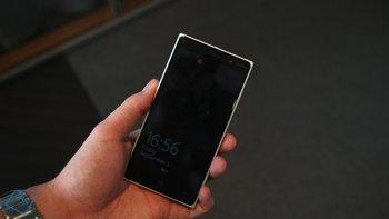 Nokia-Lumia-830_01