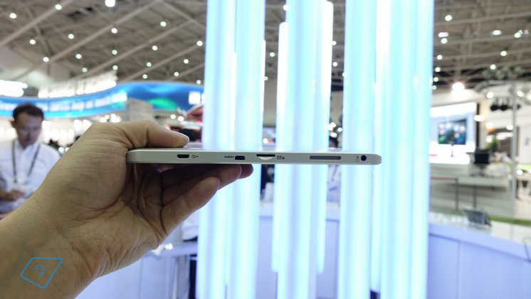 Toshiba-Encore-2-10-hands-on-5