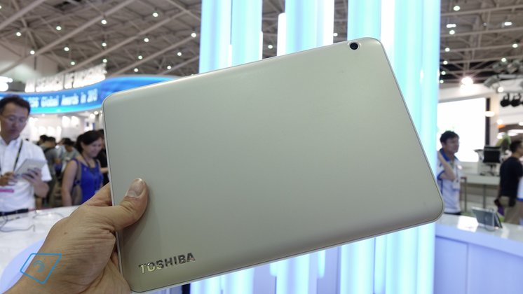 Toshiba-Encore-2-10-hands-on-7