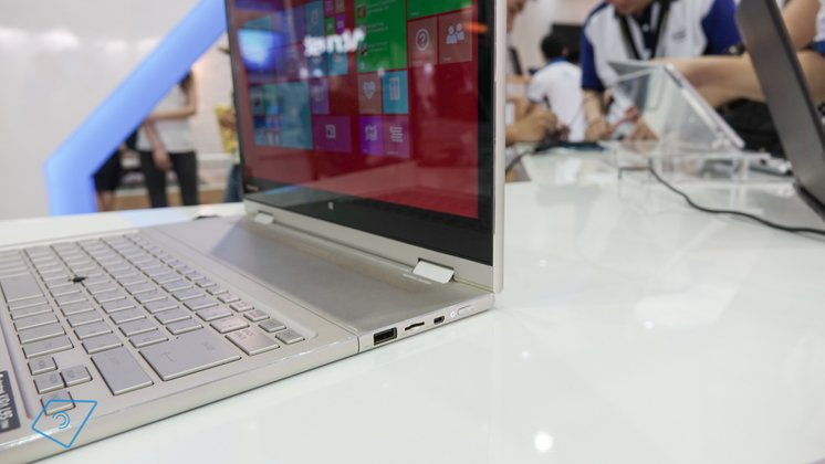 Toshiba-Kira-L93-hands-on-2