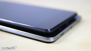 Samsung-Galaxy-TabPRO-8.4-vs.-Nexus-7-2013-Dicke