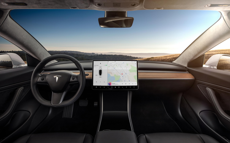 Ein Display, sonst nichts: Innenraum des Tesla Model 3 ist eine ...