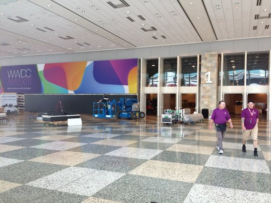 Apple dekoriert bereits das Moscone Center