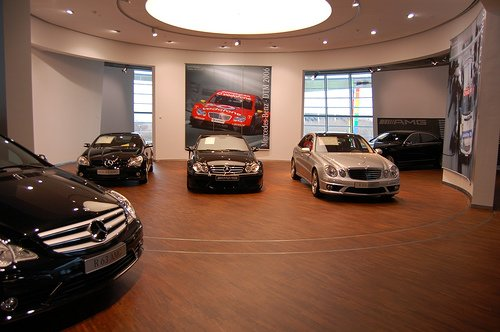 Mercedes-Benz testet Einsatz von iPads in Autohäusern