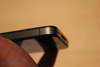 iphone-4-first-hands-2010-06-0712-08-00-rm-eng1