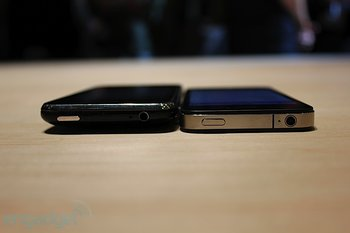 iphone-4-first-hands-2010-06-0712-08-38-rm-eng1