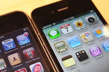 iphone-4-first-hands-2010-06-0712-09-04-rm-eng1