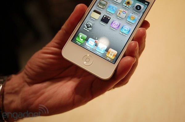 iphone4-weiss-handson (4)