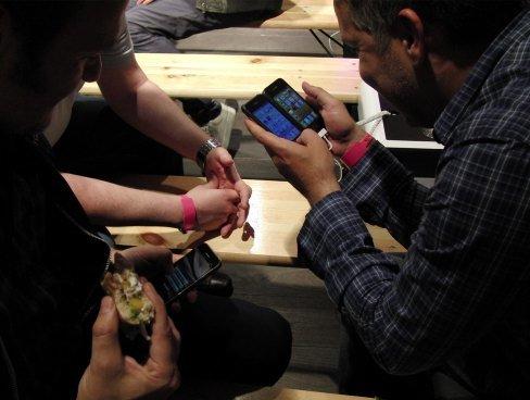 iPhone 4: Warteschlangen um Mitternacht