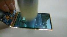 Samsungs flexibles OLED-Display trotzt dem Hammer