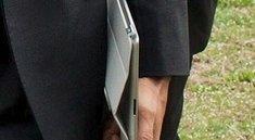 Barack Obama besitzt ein iPad 2 mit Smart Cover