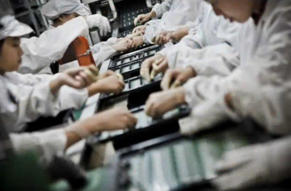 Foxconn will Arbeiter durch Roboter ersetzen