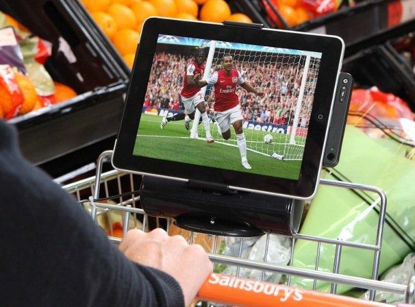 iPad im Supermarkt: Erste Einkaufswagen mit Docks