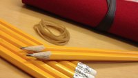 iPad-Ständer aus Bleistiften (Video)