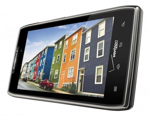 CES 2012: Motorola RAZR MAXX mit 3300 mAh Akku angekündigt