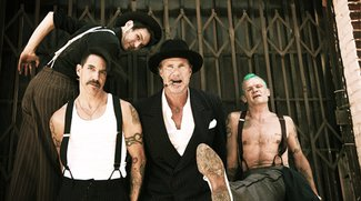 "Red Hot Chili Peppers mit witzigem Clip zur Single ""Look Around"""