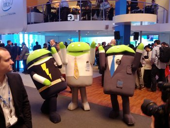 MWC 2012 - Dancing Androids