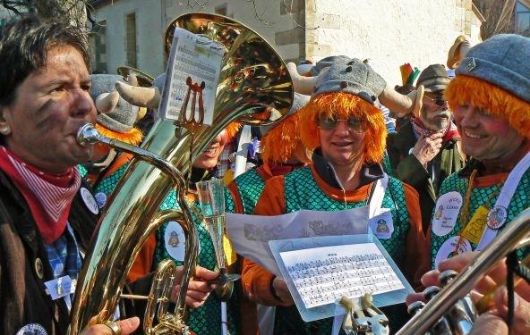 Die Top Ten der Karnevalshits 2012: Mickie Krause, Andreas Gabalier, DJ Ötzi, die Höhner und Brings