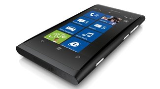 Heute ab 11 Uhr: Nokia Lumia 800 ohne SIM-Lock mit O2 Blue XS für insgesamt 244,76 Euro