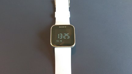 Sony Smartwatch 06