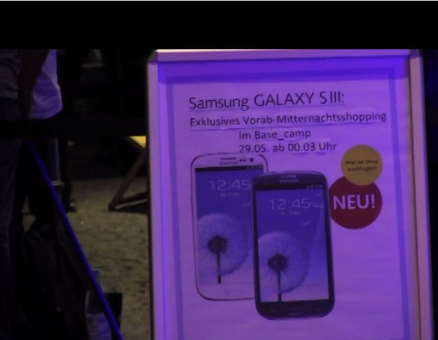 Samsung Galaxy S3 - Das BASE Midnight Shopping