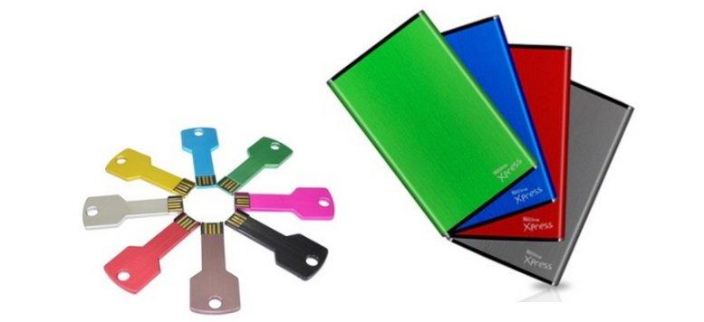 Bunte Festplatten von TrekStor und USB-Sticks (32 GB) im Angebot