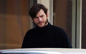 Erste Fotos von Ashton Kutcher als Steve Jobs