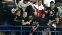 """Fußball-Doku über Nazi-Hooligans in Polen und der Ukraine: """"Stadiums of Hate"""" online sehen"""