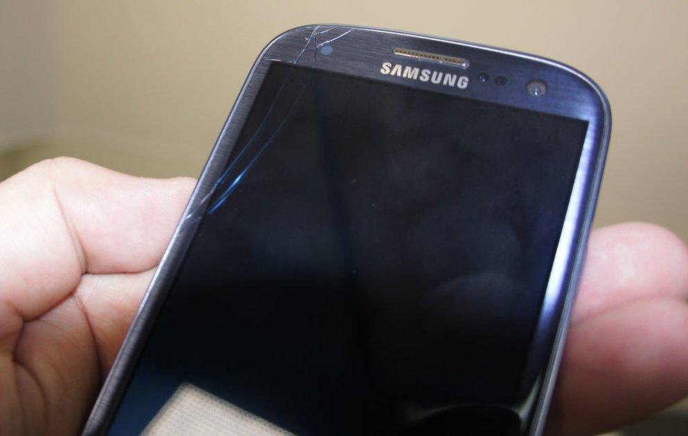 Samsung Galaxy S3 mit Displaybruch