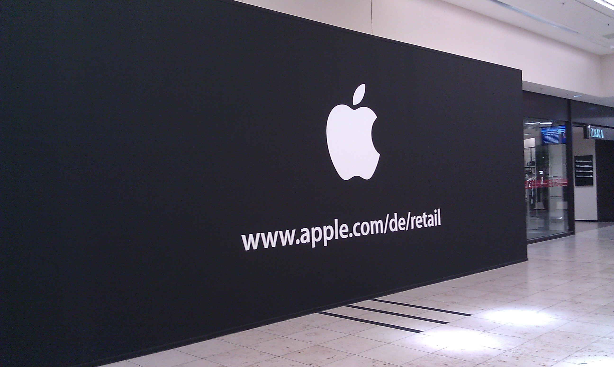 apple store im rhein center k ln er ffnet am 1 september giga. Black Bedroom Furniture Sets. Home Design Ideas