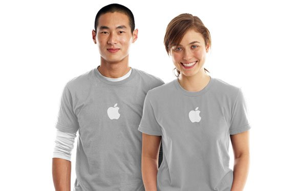 Online Store: Specialist hilft bei der Einrichtung von iPad und iPhone