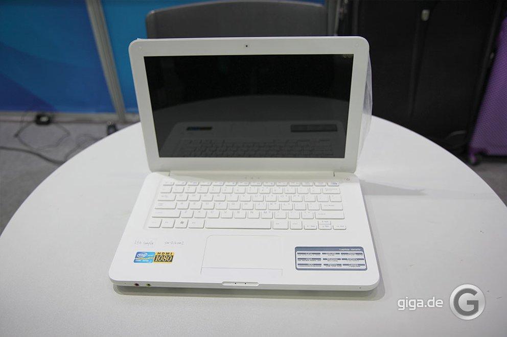 NetBook White